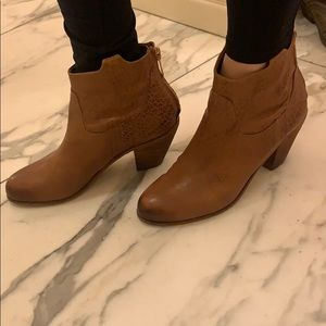 Spring booties lightweight Sam Edelman